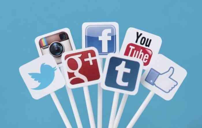 Social-Media-Icons_iStock_000027098108Large1-700x445