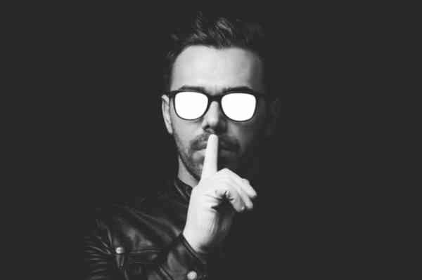 Shhh...-700x465